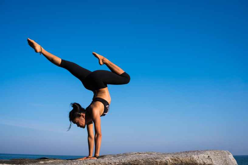 Hatha Yoga, armgestützte Asanas, Grundhaltung, Yogatrainer, my-lifestyler.com